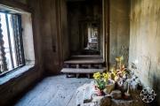 <h5>Inside the outer wall of Angkor Wat, Angkor, Siem Reap, Cambodia</h5>